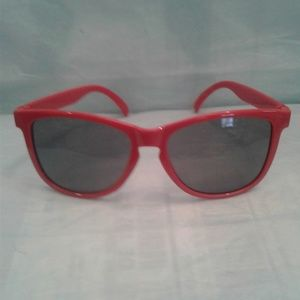 Accessories - 🍎 Red Sunnies for the Bright Summer Days 🍎